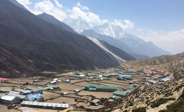 Acclimatization day at Dingboche.