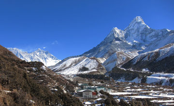 Trek to Dingboche.